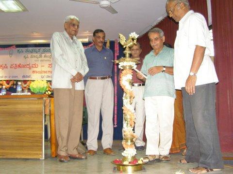 nagesh-hegde-inaugurating-workshop-1